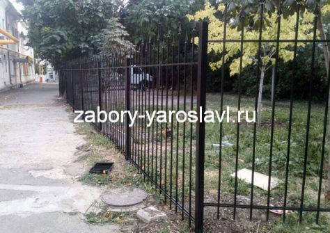 изготовление забора из профильной трубы в Ярославле
